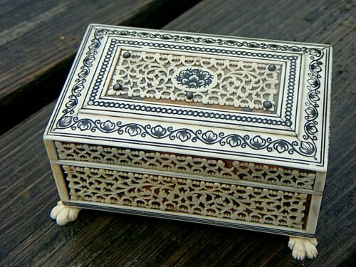 ANTIQUE ANGLO INDIAN VIZAGAPATAM TRINKET BOX