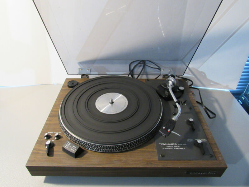 Vintage REALISTIC LAB-400 Direct Drive Automatic Turntable