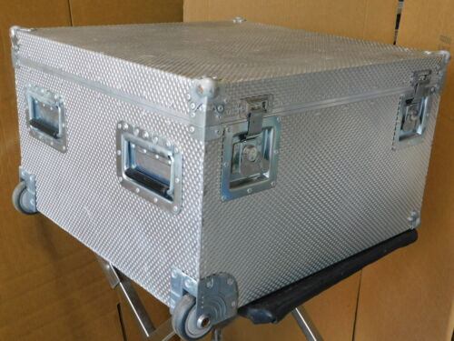 """Samuelson Alum Shipping /storage / rolling Case # 2, Ext Dims 23 x 22 x 14"""""""