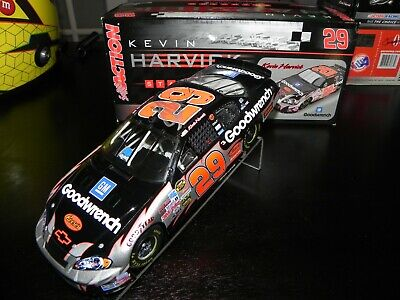 AUTOGRAPHED KEVIN HARVICK 2006 #29 GM GOODWRENCH 1/24 DIECAST GM DEALERS VERSION