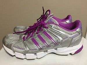 Adidas women's size 8.5 sneakers - like new