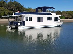 Houseboat 48ft
