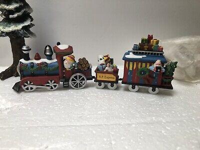 Dept 56 Village NORTH POLE EXPRESS TRAIN #56368 Set Of 3 Santa Drives So Cute!