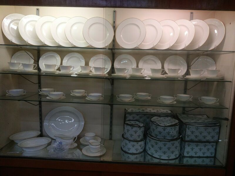 Royal Worcester China Concerto White Embossed Floral 12 Place Settings 88 Pcs
