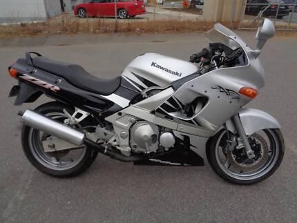 Superbe Zzr600 Kawasaki Low Klms Sports Tourer Bike