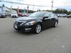 2015 Nissan Altima 2.5 SV SUNROOF, HEATED SEATS!