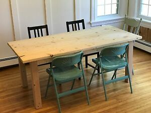 The perfect size farmhouse dining table!