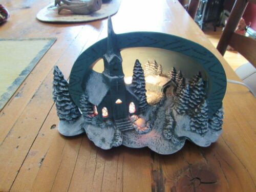 VERMONT HANDCRAFTED HERSHEY MOLD LIGHTED GREEN CHRISTMAS TREES CHRUCH BRIDGE