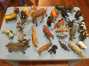 32 figurines d'animaux