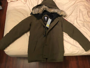 Selling New TAG ON Canada Goose chateau Fusion Fit Men XS