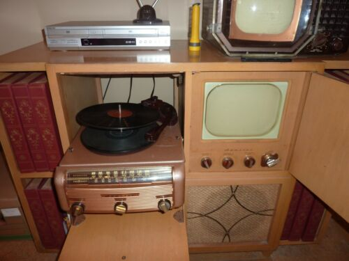 Rare working 1949 Admiral radio/3 speed phonograph/television console - pick up
