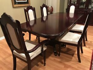 Full Dining Room Set (Table, Chairs, Hutch)