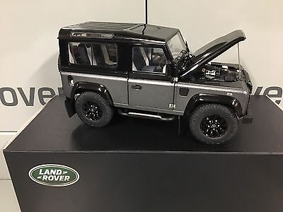 LAND ROVER DEFENDER AUTOBIOGRAPHY 1:18 SCALE MODEL GENUINE LAND ROVER ITEM