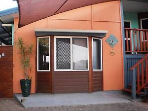 PRIVATE FULLY FURNISHED S/C 1 BED APARTMENT EIMEO VILLAGE MACKAY Eimeo Mackay City Preview