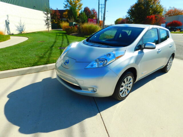 Image 1 of 2015 Nissan Leaf Silver…