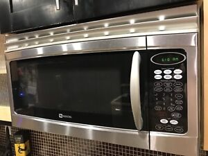 Maytag Microwave Oven