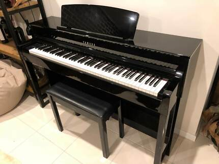 YAMAHA CLP-545 Digital Piano - Polished Ebony (Retail: AUD4395)