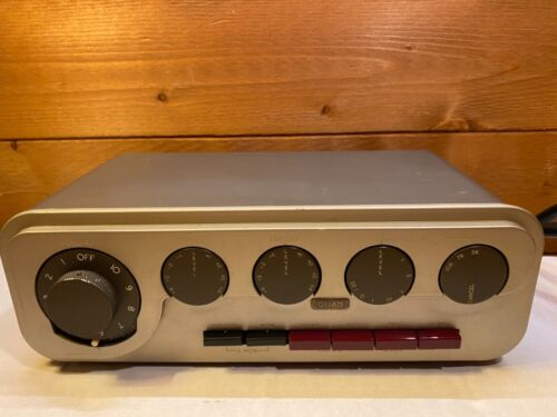 QUAD 22 Stereo Control Amplifier