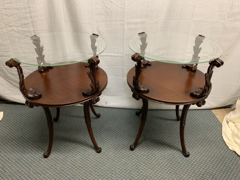 Antique Vintage Pair of Ornate Fleur De Lis Side End Tables Night Stands