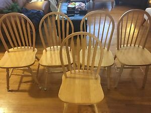 Oak kitchen chairs and table