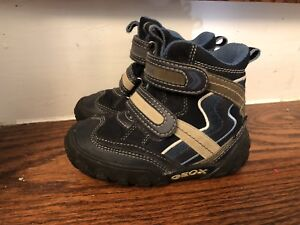 Boys Snow Boots GEOX size 7 toddler