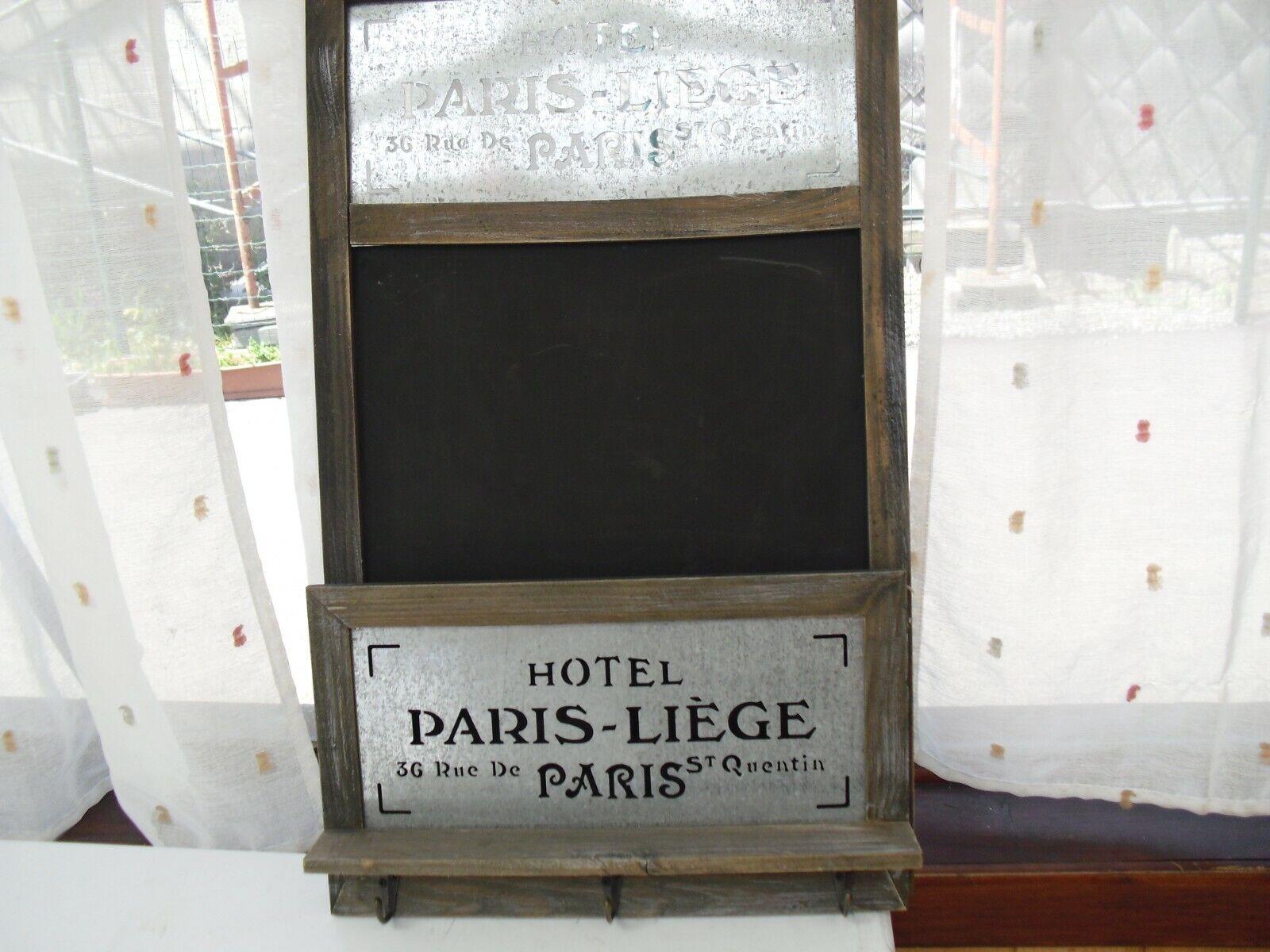 Ancien porte-manteaux + tableau noir de l'hôtel Paris - Liège