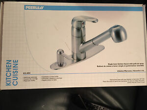 Peerless Single Lever Kitchen Faucet with Pull-out Spray - NEW