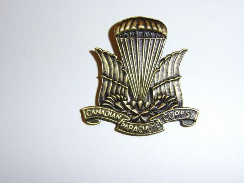 e2021 WW 2 Canada Canadian EM Paratrooper Corps Airborne Beret Badge brnz IR17A