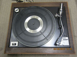 VINTAGE-APAN-BRU-121-TURNTABLE-ON-WOODEN-BASE-JUST-HAD-SERVICE-NEW-STYLUS-BELT