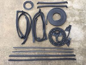 81-88 Monte Carlo w Wide Chrome Complete 13 pc t-top Weatherstripping Seal Kit