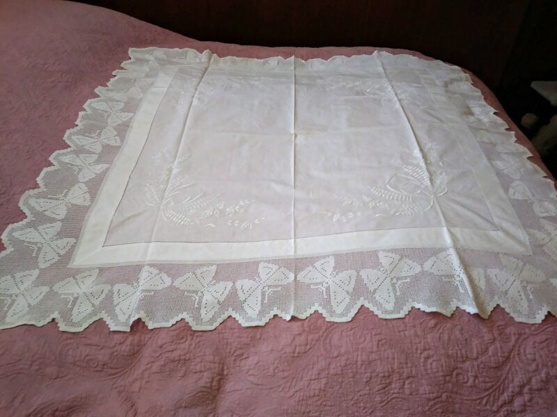 """Fantastic Butterfly Linen & Irish Crochet Lace Embroidered Tablecloth 58""""x57"""