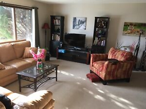 Shared furnished full house on canal. Own bathroom & living room