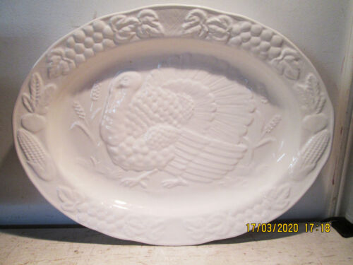 "Vintage 18.5"" Large Embossed TOM Turkey Thanksgiving Platter Made In Japan"