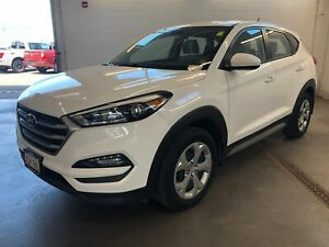 2017 Hyundai Tucson 2.0L- BACKUP CAM! BLUETOOTH! HEATED SEATS!