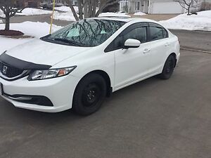 HONDA CIVIC EX 2015 - White Sedan with Black Interior Cloth