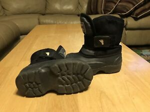 Stonz winter boots, Grey/Black (size 6)