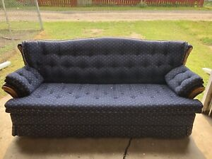 Like new Love Seat/ Hide a Bed