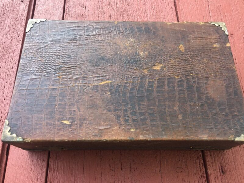 ANTIQUE EDWARDIAN ALLIGATOR BARBER BARBERSHOP KIT RARE VICTORIAN