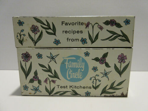 Vintage Metal Family Circle Test Kitchens Recipe Box Holder CUTE Flowers