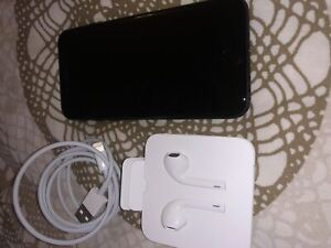 PERFECT CONDITION IPHONE 7