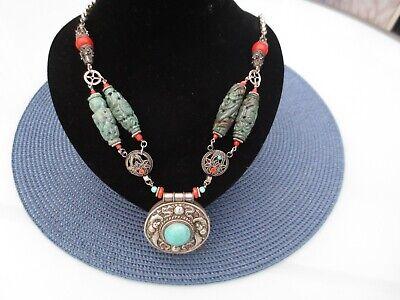 Superbe ancien collier avec pendentif en argent chinois  ses 4 pierres (jades?)