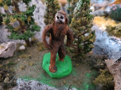 Scale Painted Resin (Ho Scale Painted Bigfoot figure/ Sasquatch/ yeti --resin)