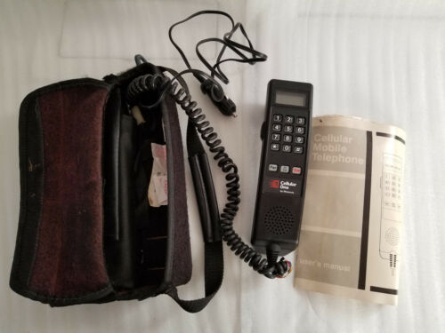 VINTAGE 1991 MOTOROLA CELL MOBILE TELEPHONE CELLULAR ONE USA W/BAG & MANUAL