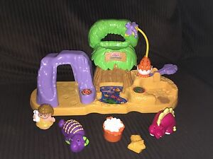 Little People Dinosaur Set