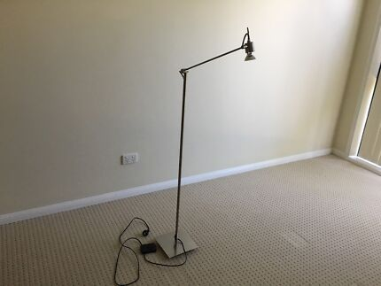 FLOOR LAMP - Brushed chrome