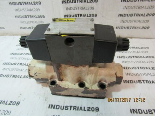 PARKER DIRECTIONAL CONTROL VALVE D63W1C4NYC 36 USED