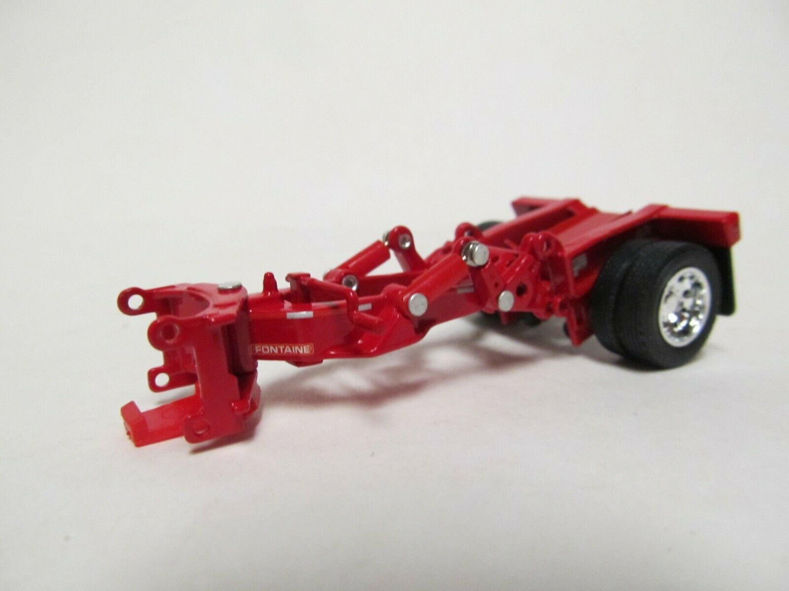 DCP / FIRST GEAR 1/64 SCALE RED FONTAINE TRI AXLE LOWBOY STINGER, WITH PINS
