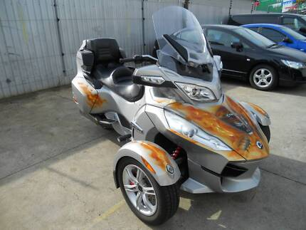 2010 CAN-AM Spider RT showroom cond. RWC 36000 km $11999 driveawa