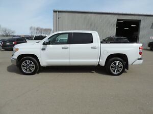 2016 Toyota Tundra Platinum 5.7L V8 Leather,Navi,Remote Start...