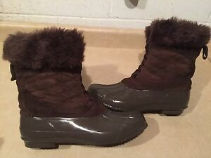 Women's Arctic Shield Steel Shank Winter Boots Size 10